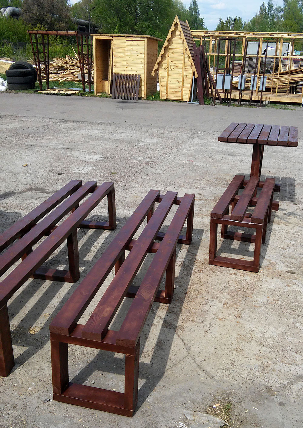 Лавочки и стол из массива сосны окрашенные